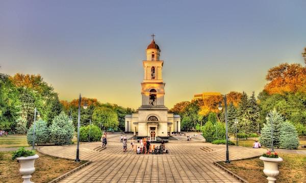 Klokketårn fra Fødtkatedralen i Chisinau - Moldova