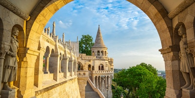 Tower of Fisherman's Bastion i Budapest by, Ungarn.