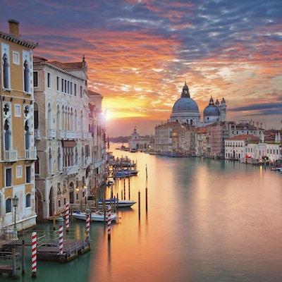 Vakre Venezia i solnedgang
