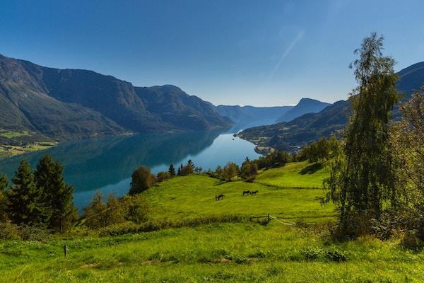 Utsikt mot fjellet Molden.