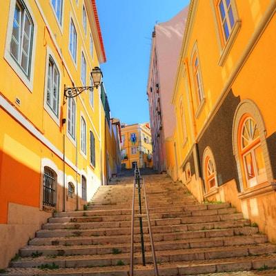 Fargerike gater i Lisboa