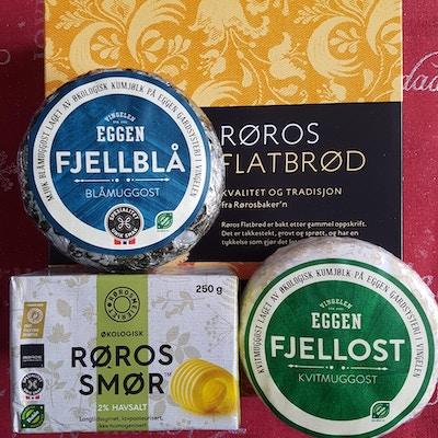 Lokale produkter fra Røros avbildet, fjellblå ost, rørossmør, Eggen fjellost og flatbrød