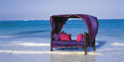 Tanzania zanzibar breezes hotel hav sofa