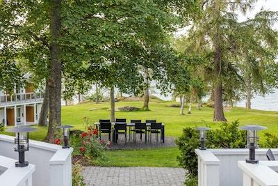 Jagtvolden Fjordhotell ligger idyllisk ved sjøen på Inderøy