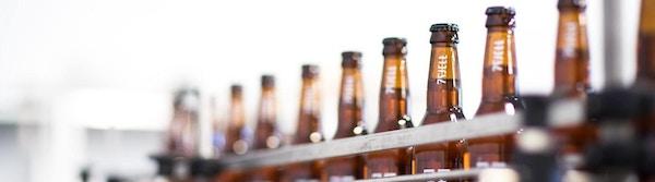 Ølflasker på bryggeriet 7Fjell.