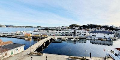 Utsikt over sjøen og båter i Kragerø