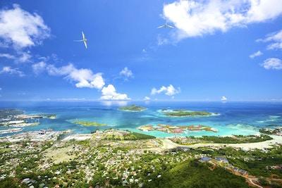 Flyfoto av Mahe-kysten, Seychellene