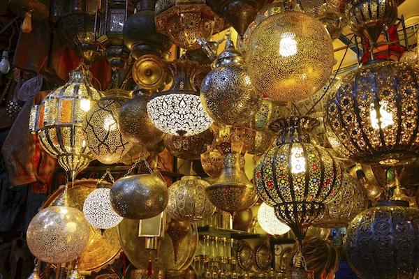 Lampebutikk i marokkansk souk.