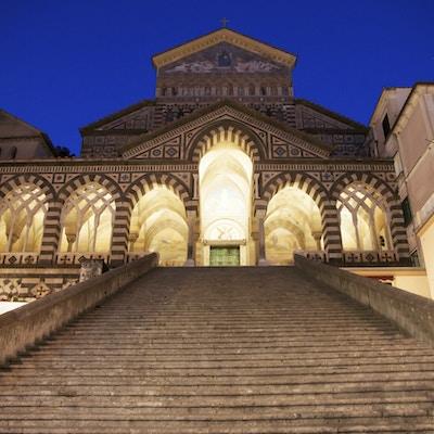 Istock 000035410640 Italia Campania Amalfi Katedral