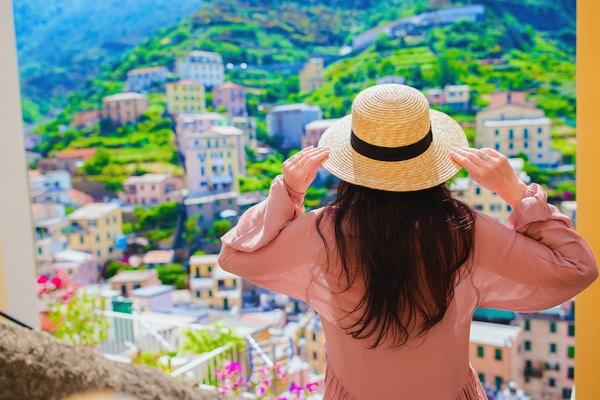 Gettyimages 894436966 Italia Dame Cinque Terre